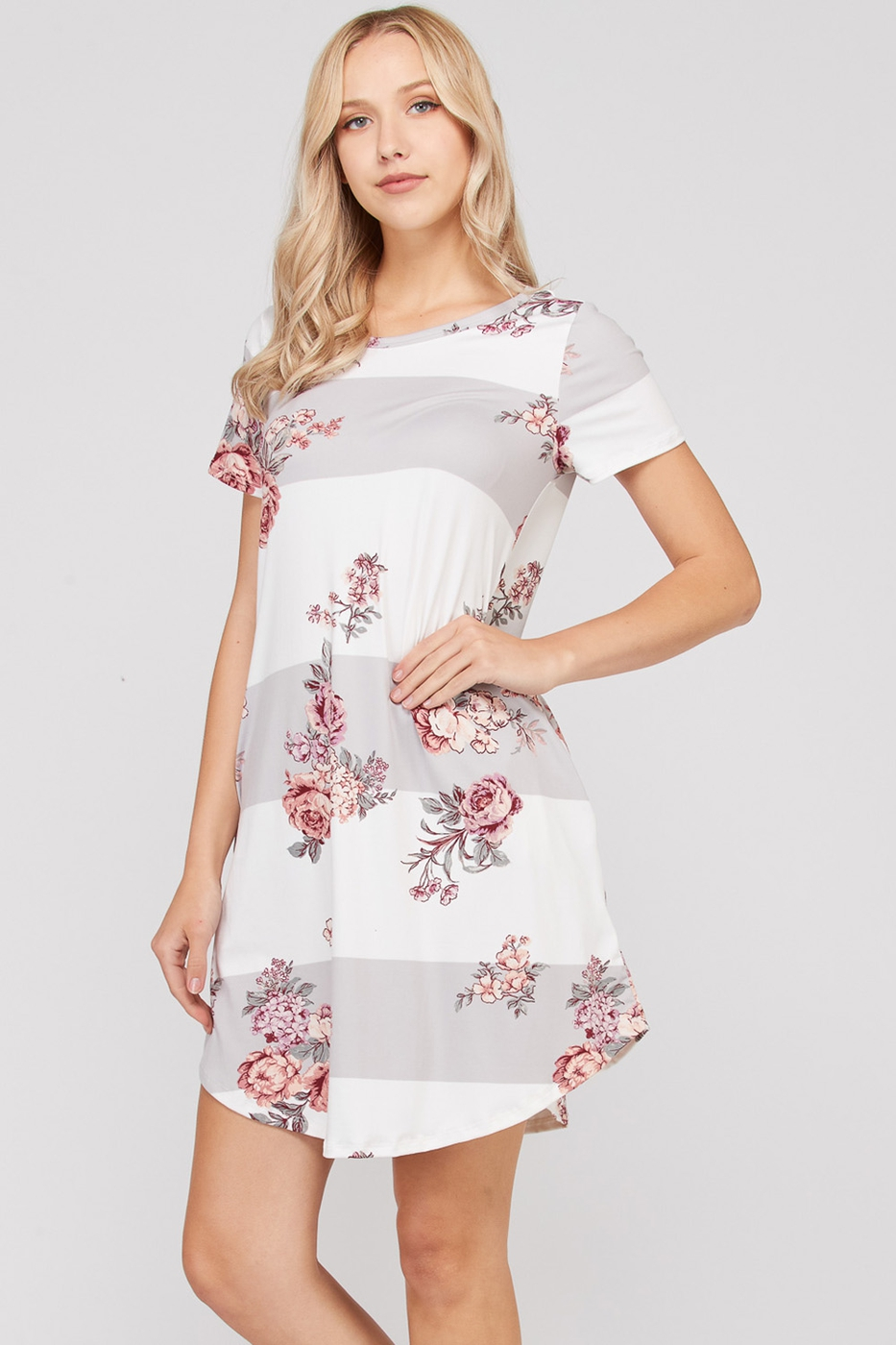 85a3ebe97ec Block and floral dress with side pockets - Ivy and Pearl Online Boutique