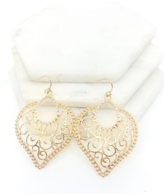 Heart-shape cutout drop earrings