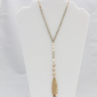 Adjustable rose-gold necklace with alternating beads/gems and hammered pendant