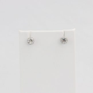 Simulated diamond (Cubic Zirconia Diamond-quality Grade 5 ) stud earring (8mm)