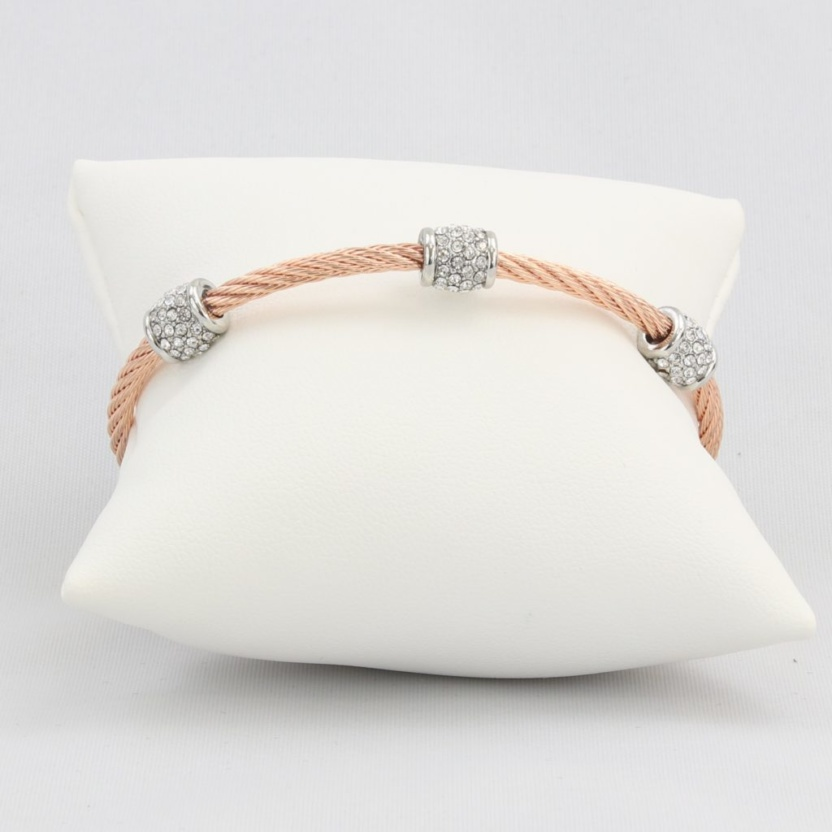 Twisted cable bracelet with barrel synthetic diamonds and magnetic clasp
