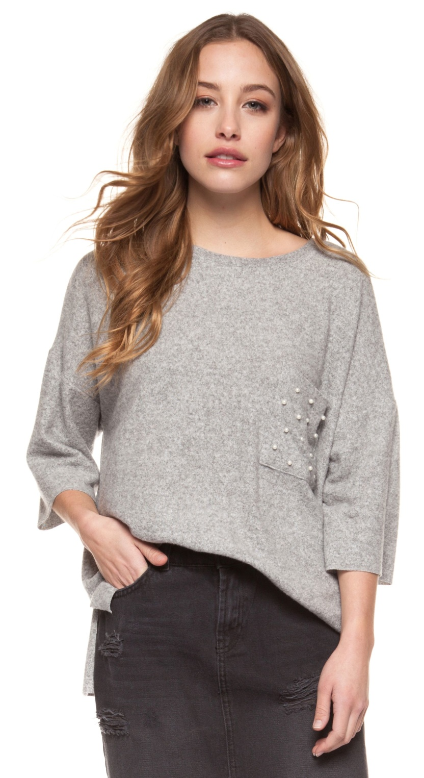Bracelet length sleeve crew neck tee with pearl detail at front pocket