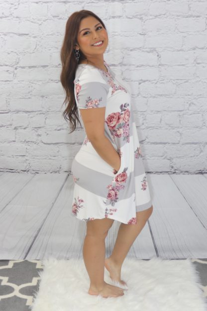 Block floral dress with side pockets side view