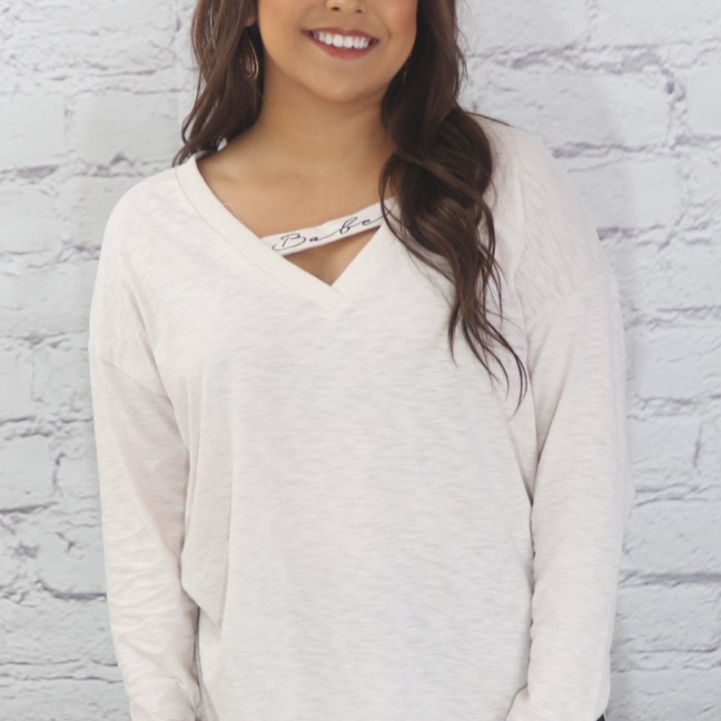 Knit V-neck top with printed band (babe)