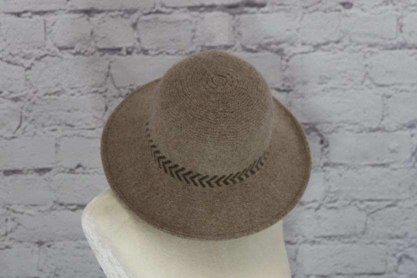 Stylish wool cloche hat with tucked tie rope (brown)