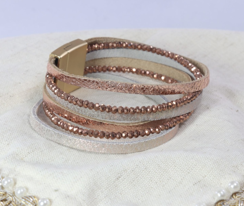 Six-band beaded faux leather bracelet with magnetic clasp