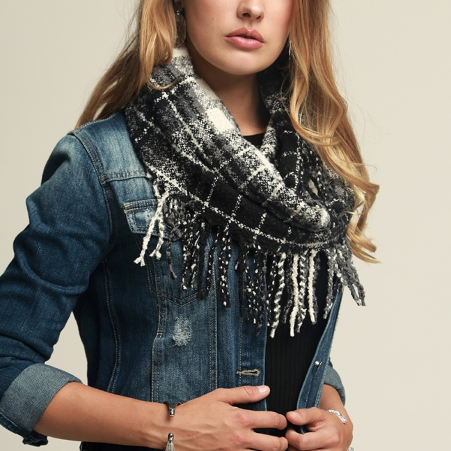Soft casual plaid infinity knit scarf with tassels