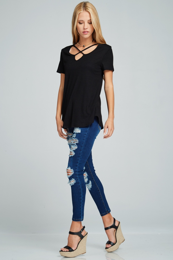 Criss-cross V-neck ribbed short-sleeve top black angle