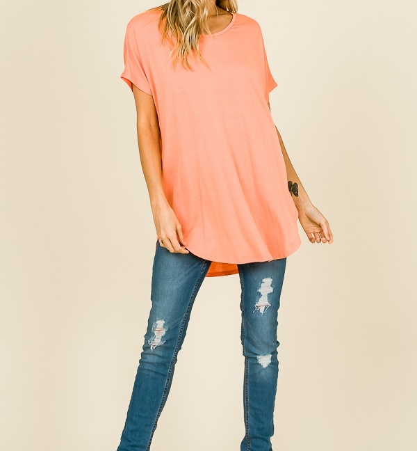 Short sleeve V-neck casual tunic round hemline coral front