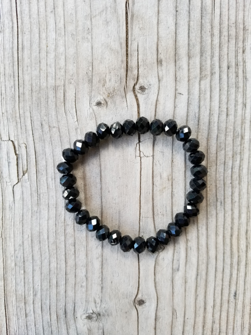 Faceted 7mm crystal beaded bracelet black