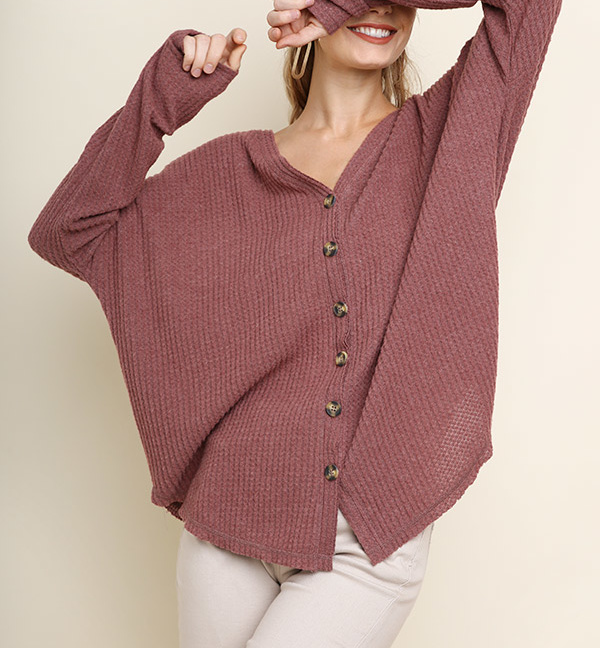 Long sleeve fleece knit button front cardigan scoop hem