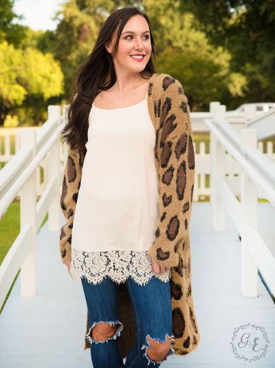 Leopard print cardigan with pockets front