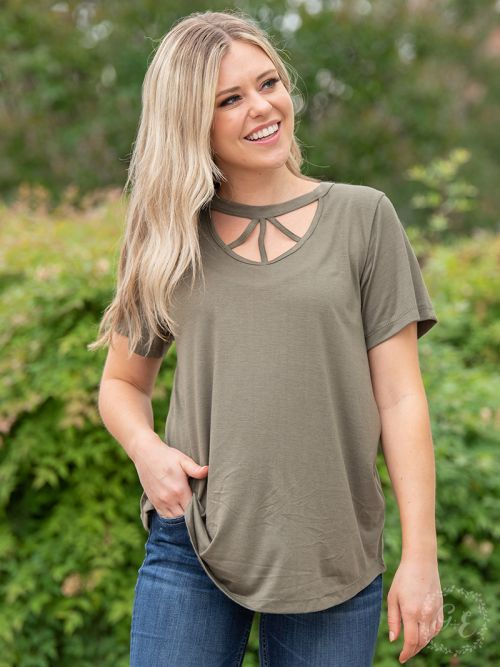 Caged in tee t-shirt olive