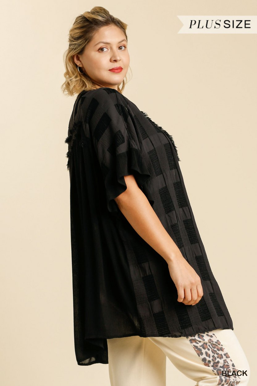 Textured Ruffle Half Sleeve Open Front Kimono with Frayed Edged Details black plus side